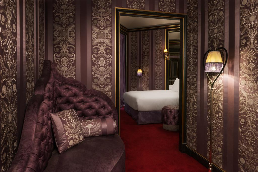 Photo of guest room at Masion Souquet located in Paris.
