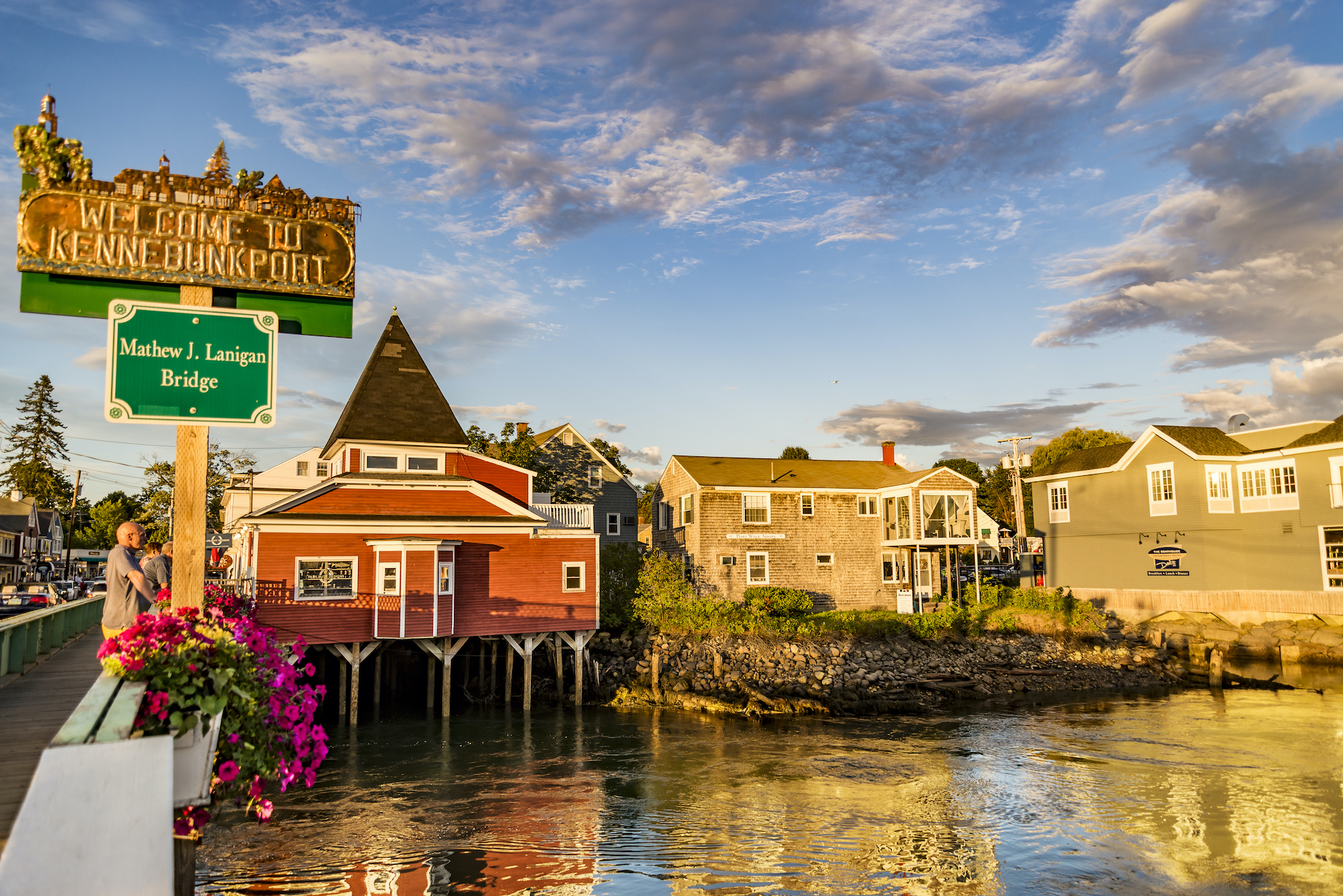 waterfront homes on stilts small towns in America