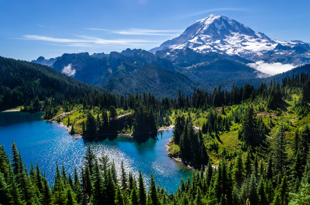 Mount Rainier National park is one of the most popular National Parks in the US and hiking here is one o the best things to do in Washington State