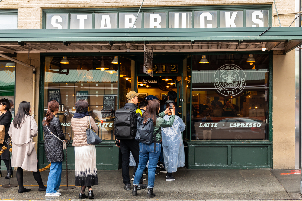 Seeing the first Starbucks is one of the best things to do in Washington State!