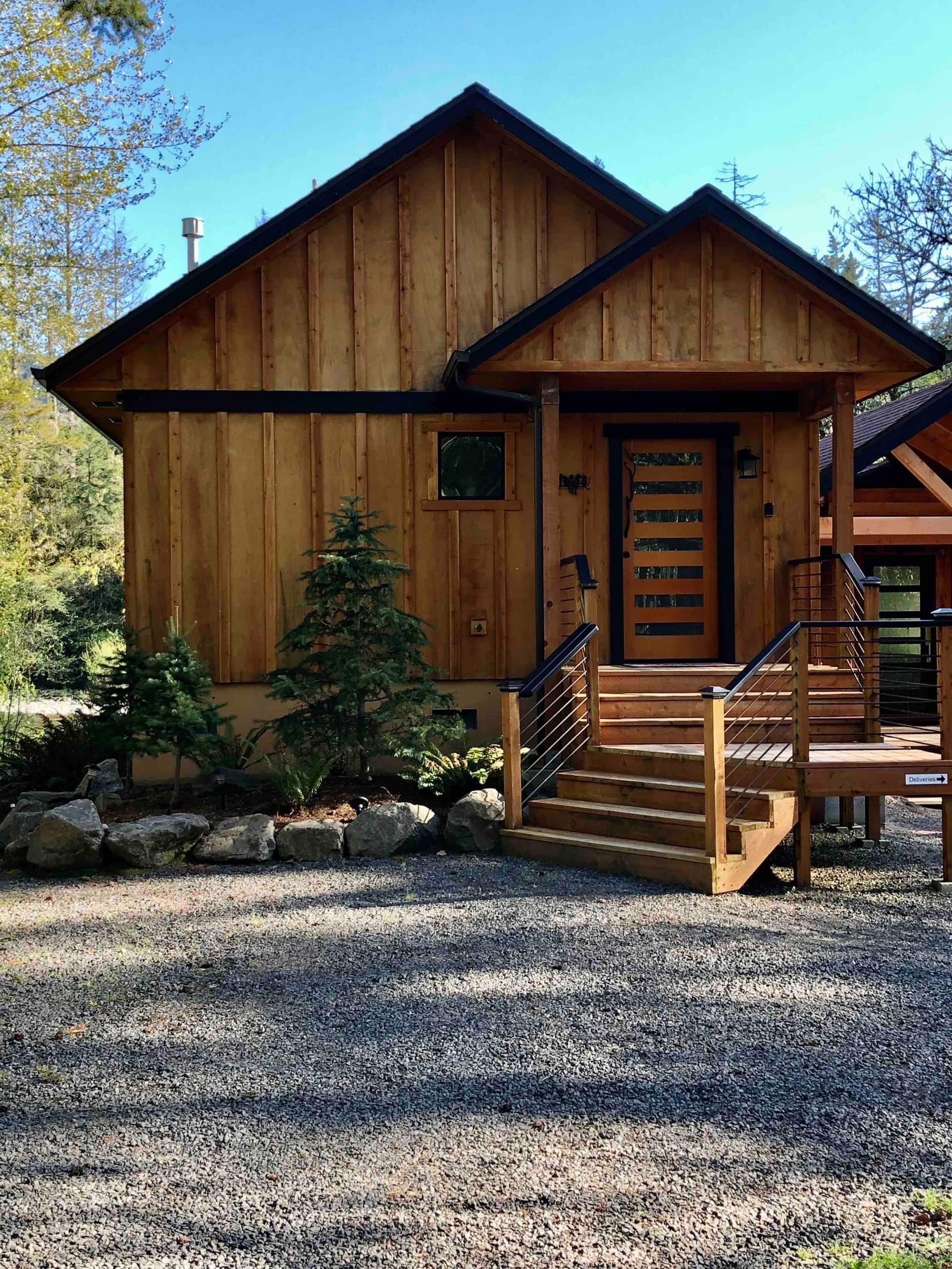the Luxury Cabin on the Santiam River Airbnb in Oregon