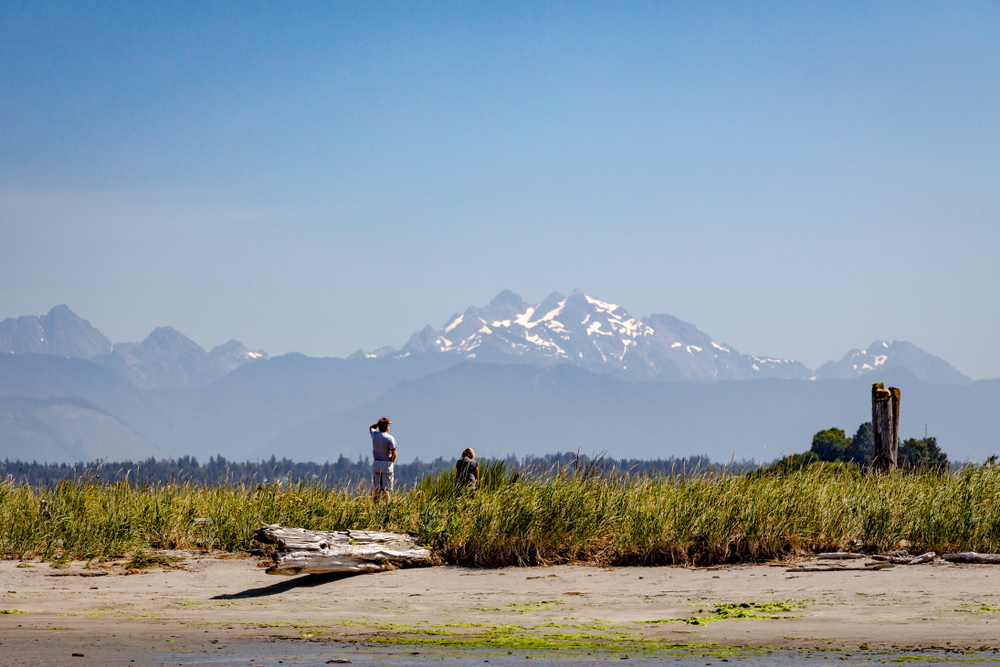 Everett is a family fun city to stop in with great views of mountains!