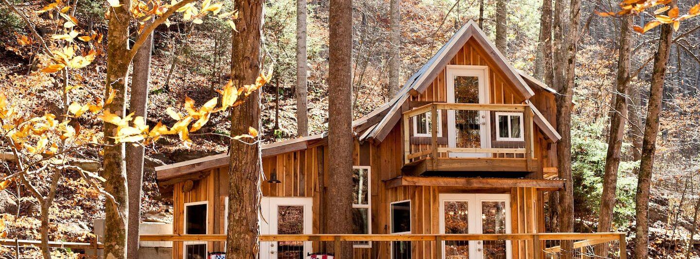 Photo of the Sugar Creek Treehouse North Carolina Airbnb.