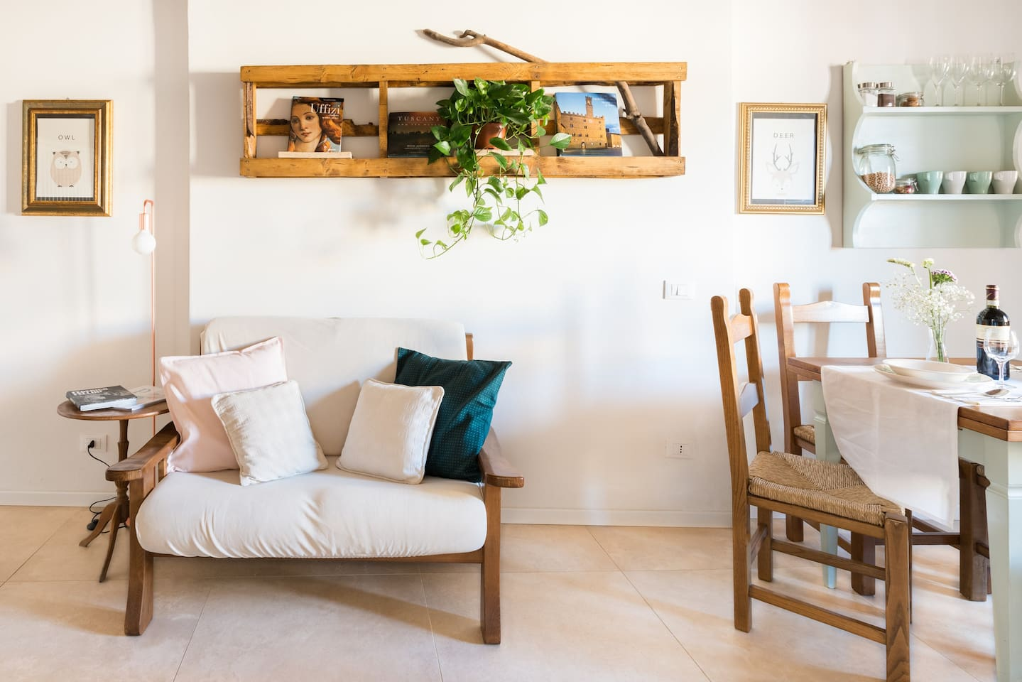 This cottage-styled Florence airbnb is the perfect cozy retreat for your next vacation!