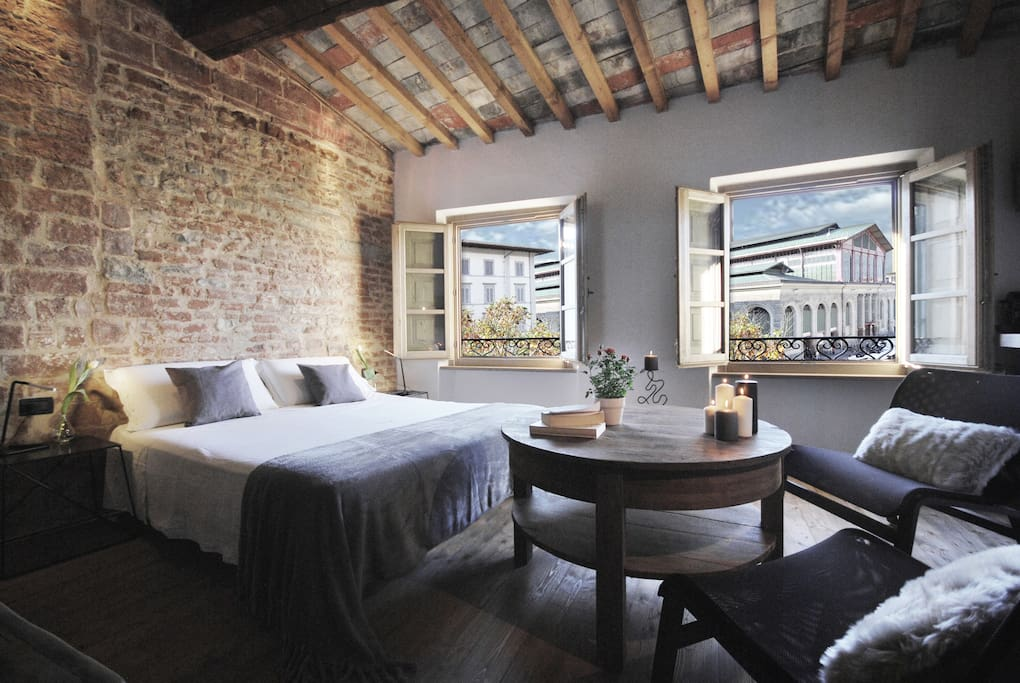 This Florence Airbnb is as charming, convenient and beautiful as a suite aught to be