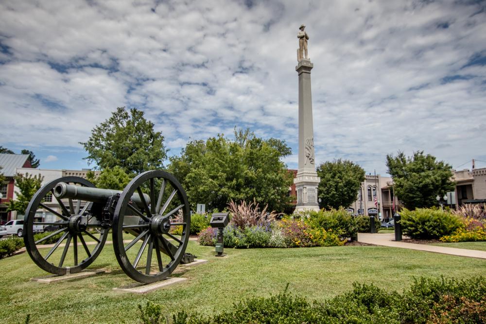 Civil War era memorials in Franklin Weekend getaways in Tennessee