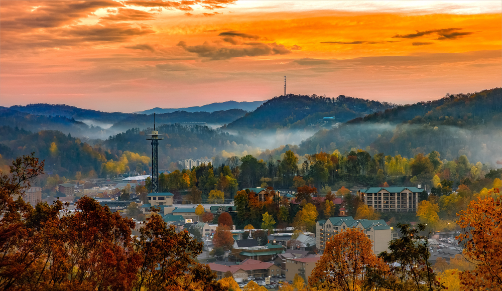 small town surrounded by hills in autumn weekend getaways in Tennessee
