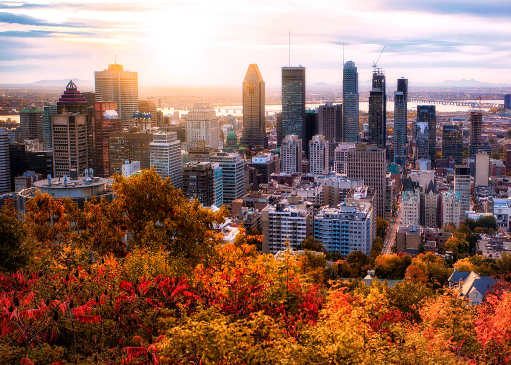 cities like montreal are so beautiful in the fall