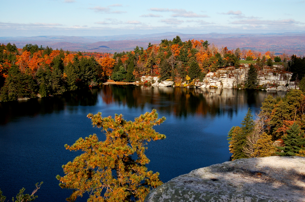 There are 33 hikes for you to enjoy in Minnewaska State Park for you to see fall in New York in all of its glory