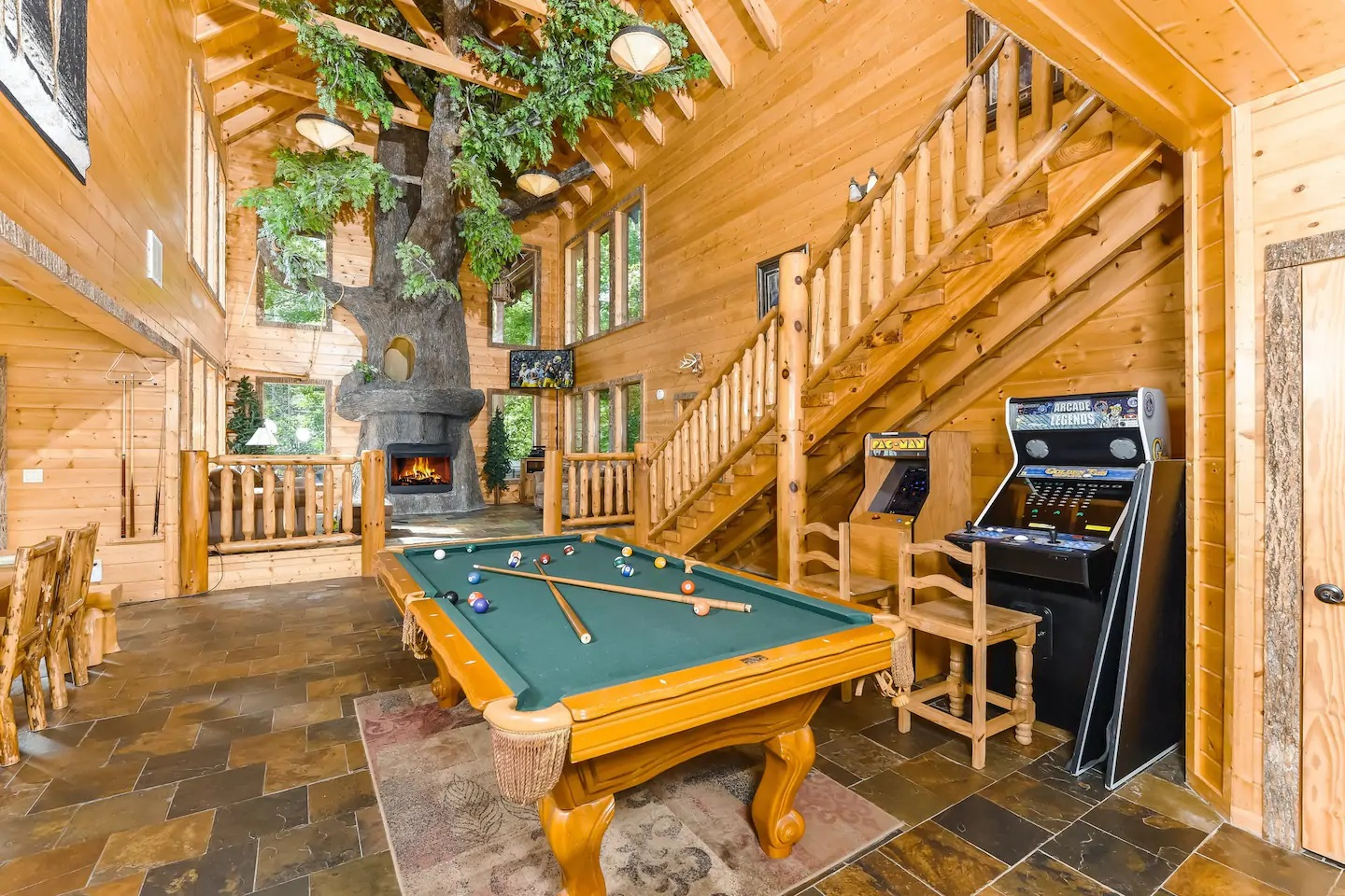 Photo of the interior of a luxury cabin in Sevierville, Tennessee.