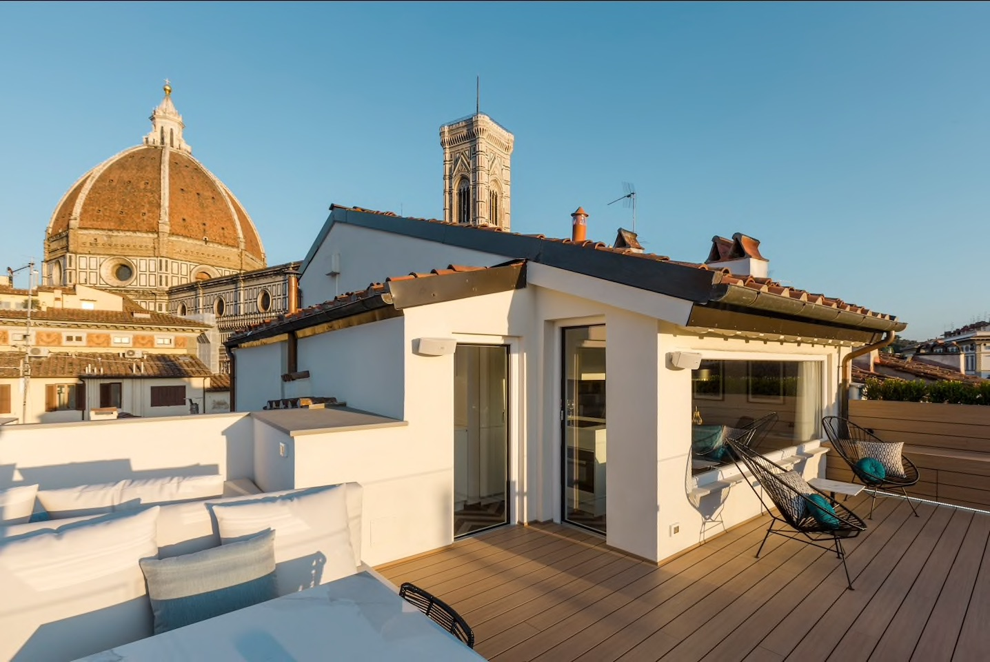 This Boutique apartment his the most exclusive balcony in all of Florence!