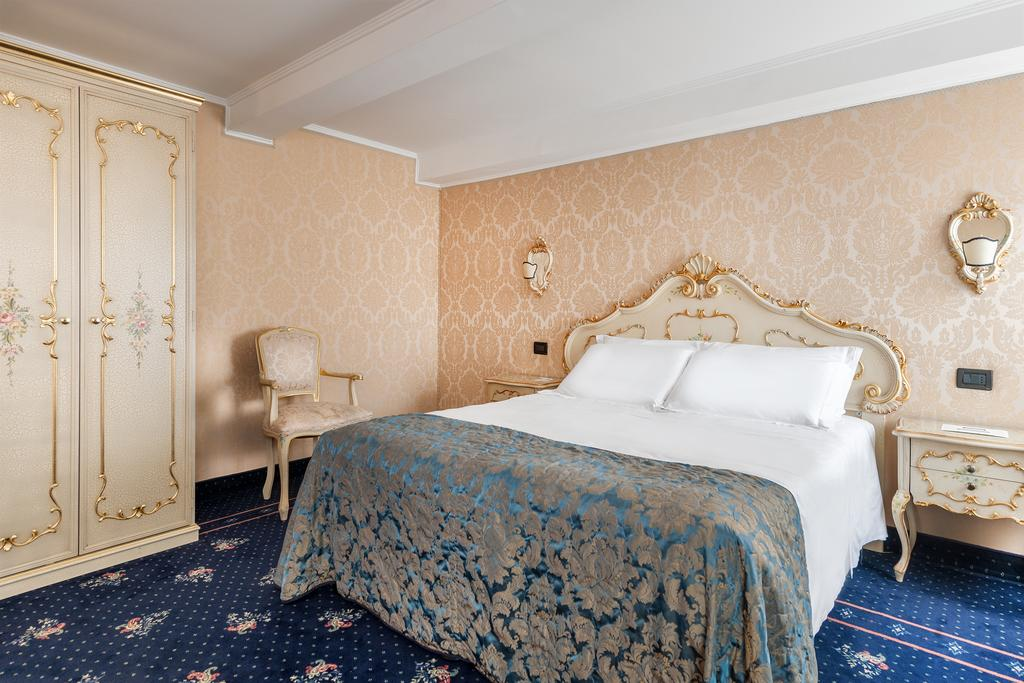 Hotel Montecarlo is one of the more affordable boutique hotels in Venice