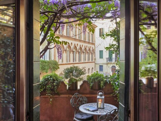 cute boutique hotel in venice italy with a good view