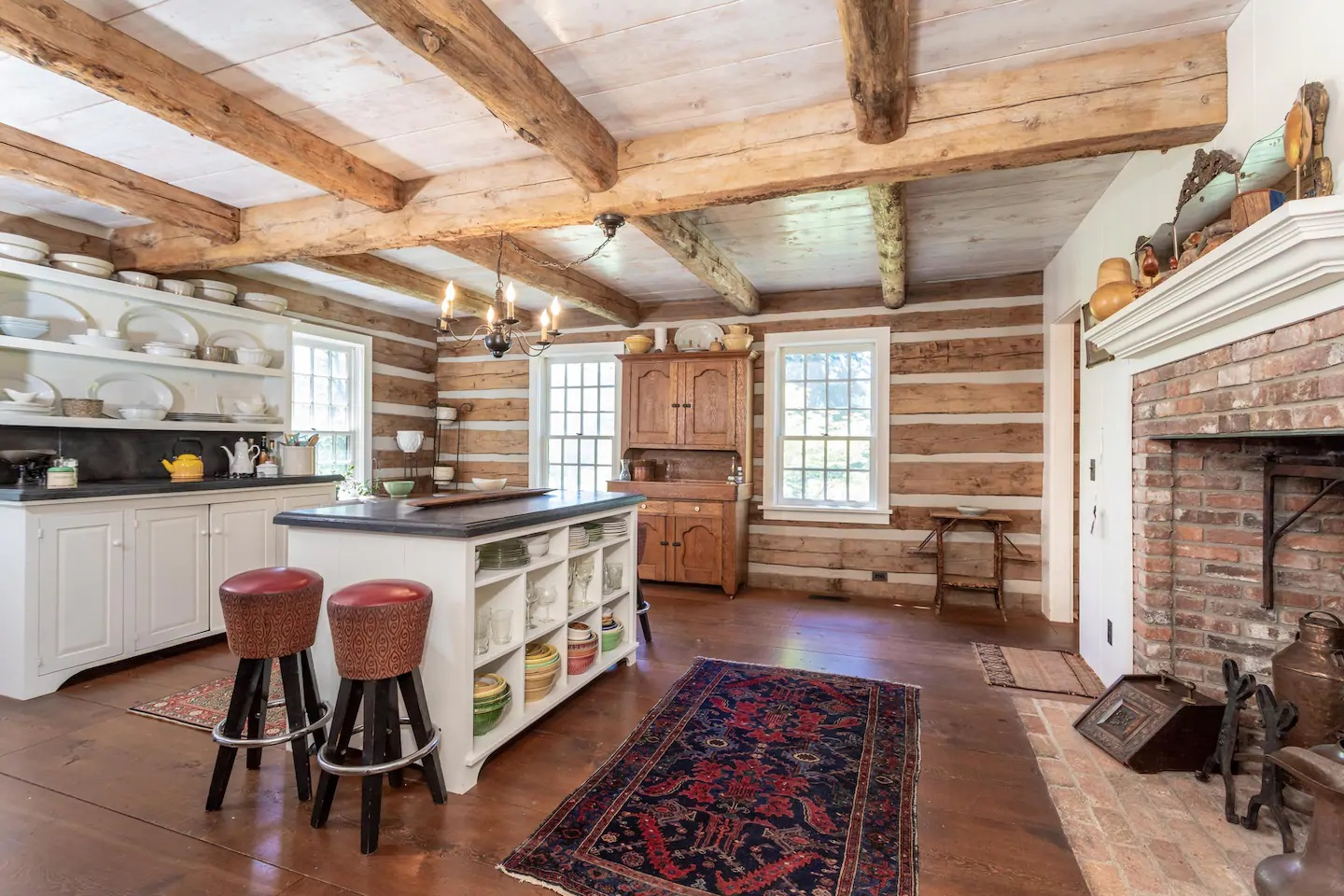 Photo of a log home Airbnb located in Montana.