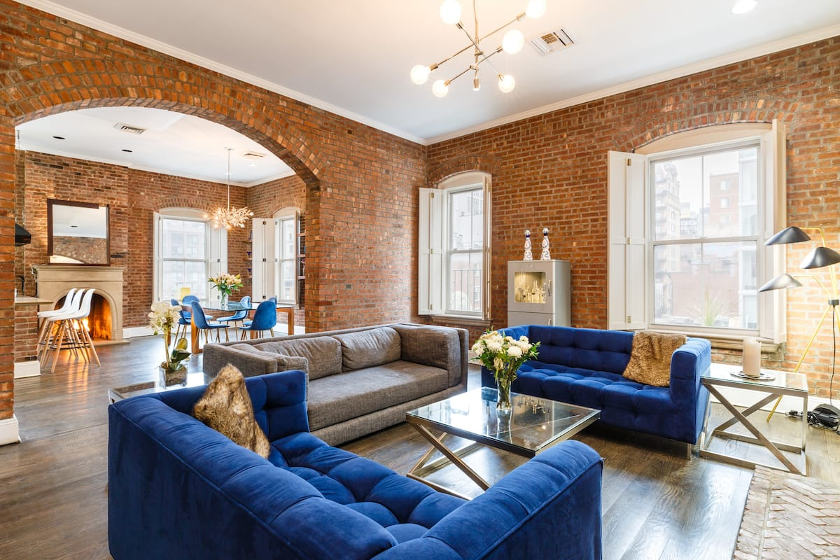 photo of the iconic and rustic summer hideaway, one of the best airbnbs in NYC