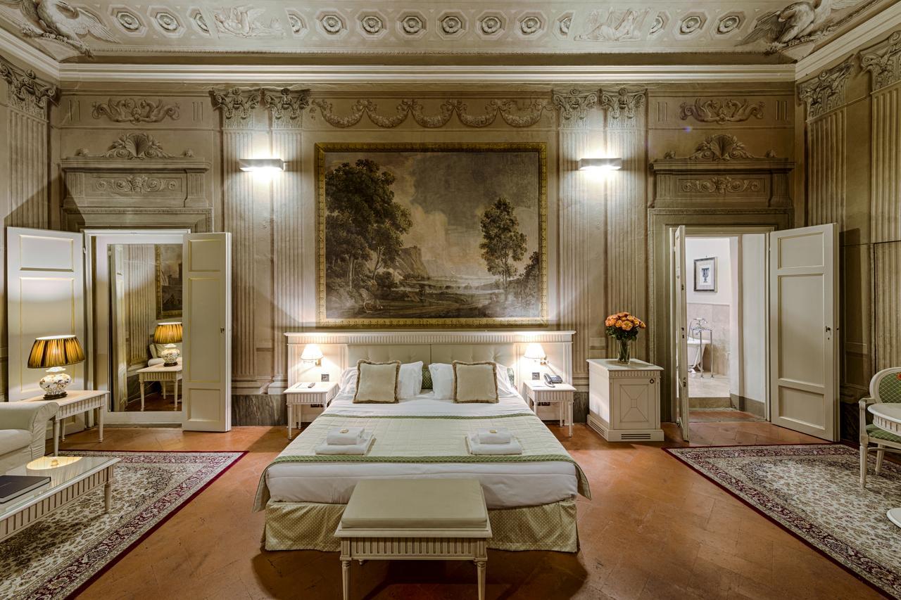 Palazzo Guicciardini has gorgeous frescoes