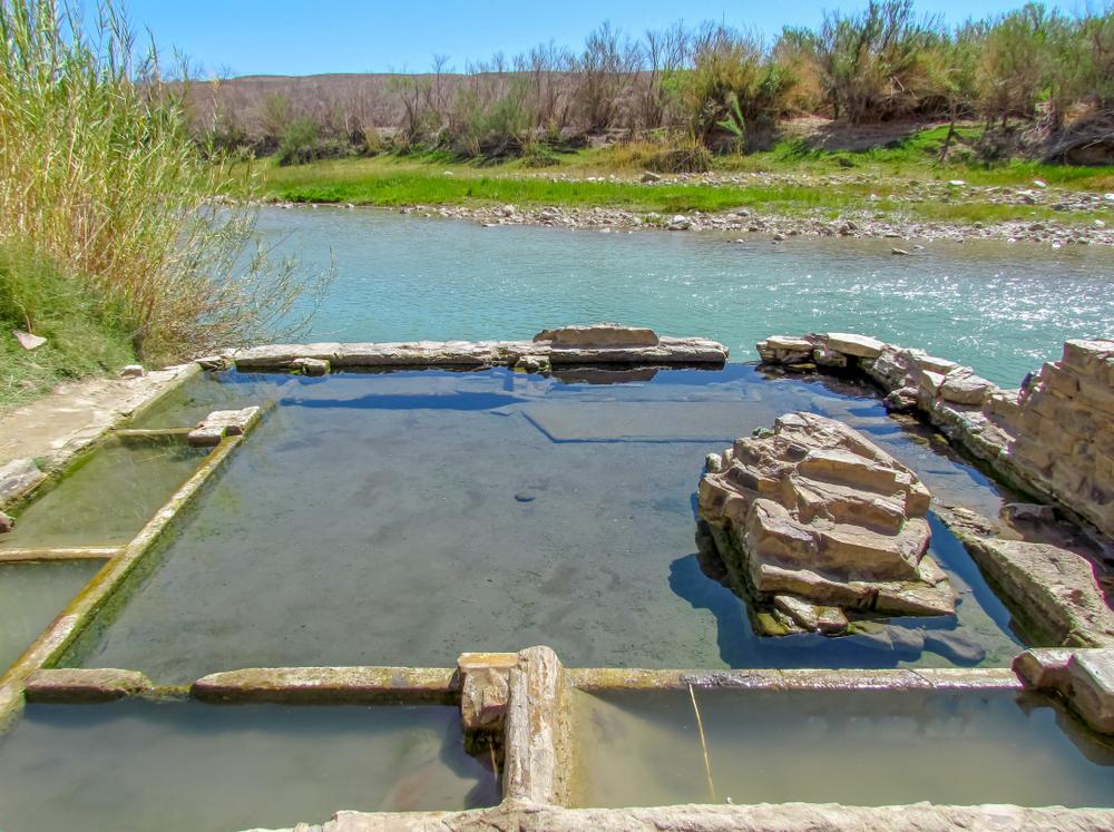 These Texan hot springs overlook the Rio Grande River and Texas desert!