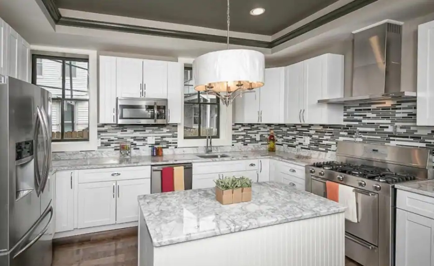 Modern luxury kitchen in one of the best airbnbs in baltimore