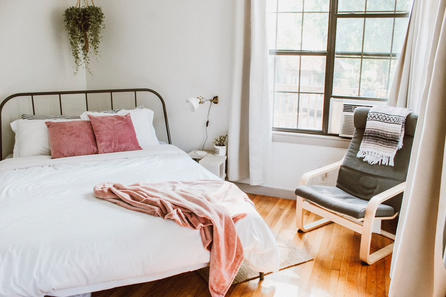 The Minimalist Escape is one of your options for San Antonio Airbnbs