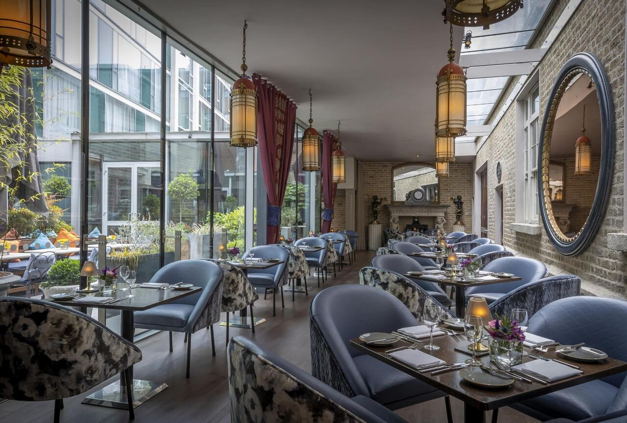 Trinity City Hotel has floor to ceiling windows in this boutique hotel in dublin