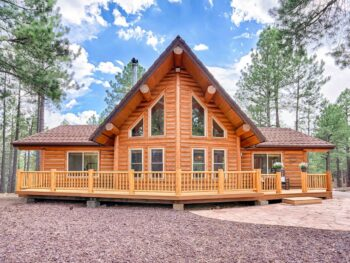 the Lincoln Log Cabin is one of the 15 best Airbnbs in Flagstaff