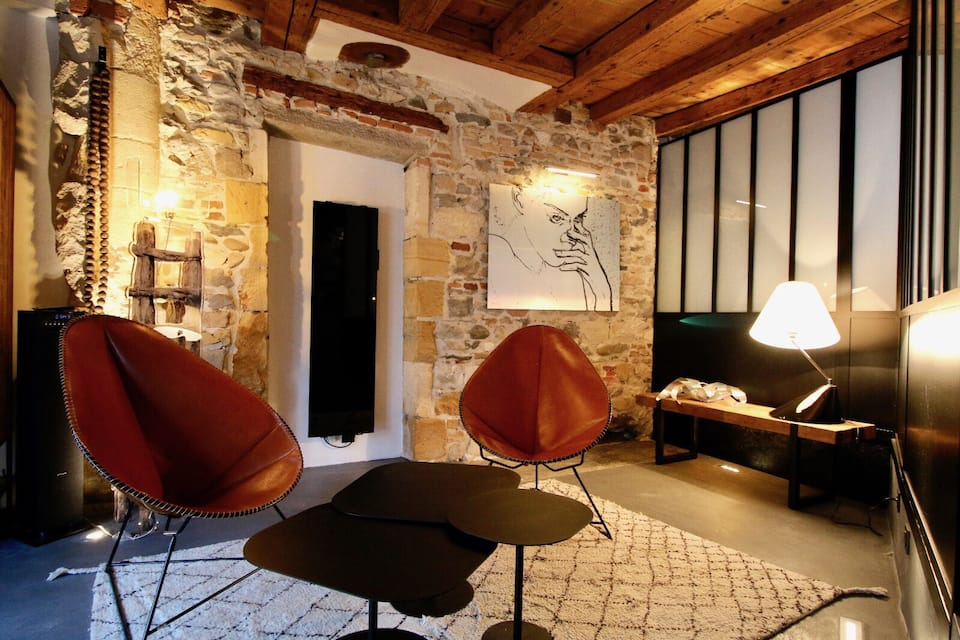 photo of le clos de sainte croix one of the best airbnbs in France
