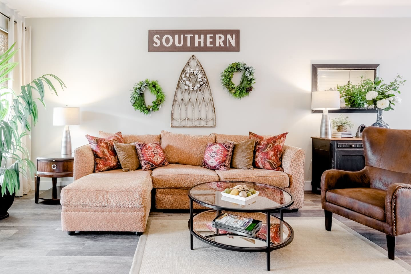Lowcountry Chic Townhouse Airbnb in Savannah