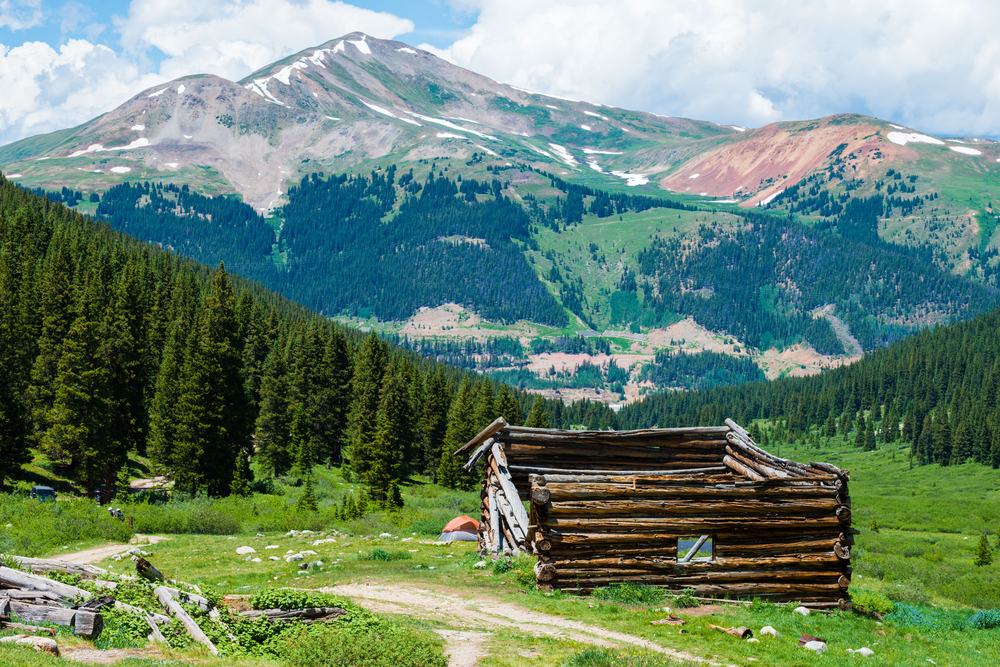 The Mayflower Gulch trail is a relaxing hike filled with beautiful wide open spaces, mountain views, and the remnants of an old mining operation.