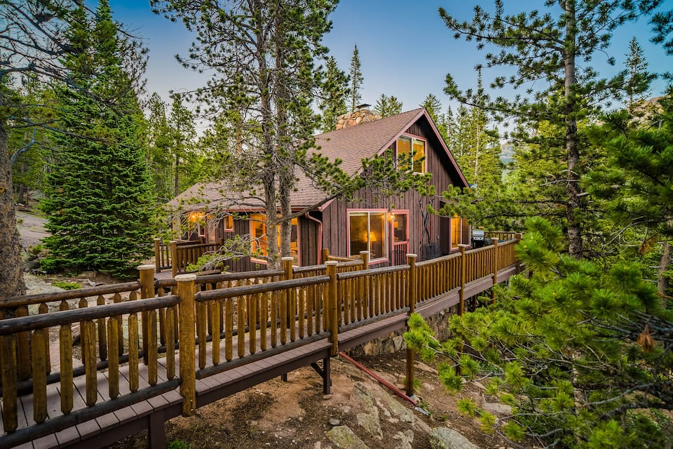 photo of a secluded mountain getaway, one of the best estes park cabin rentals