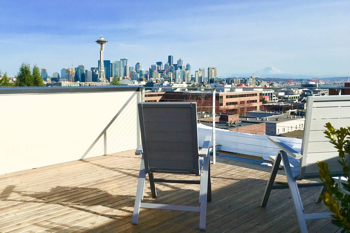 3 day weekend in Seattle patio view