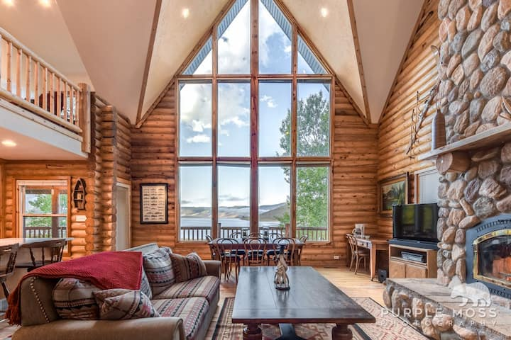 a photo of scotfield lakefront cabin one of the top cabin rentals in the utah mountains