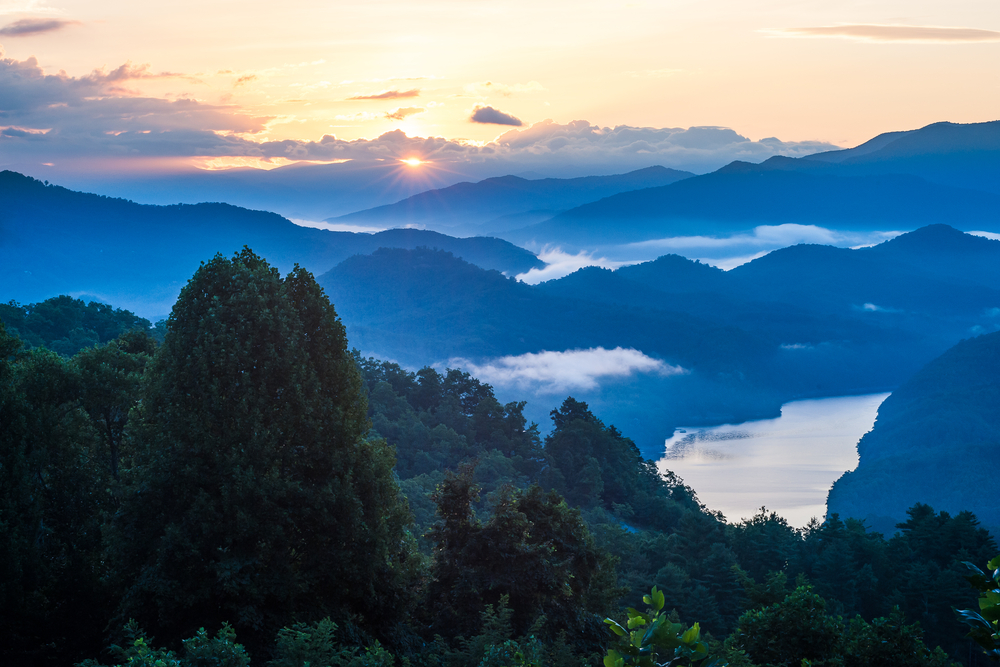 The Great Smokey Mountains are so pretty and are perfect for an East Coast weekend getaway.