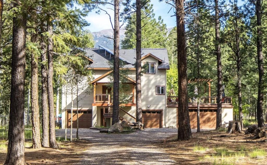 Aspen Hideaway is one of the best cabins in Arizona