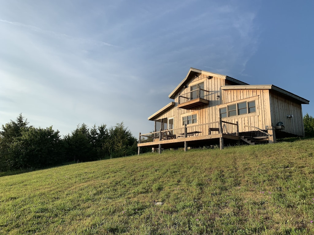 this 100% off-grid cabin is one of the best VRBOs in Kansas