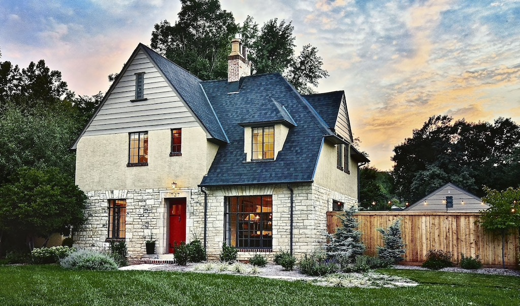 Sunset Cottage is one of the best VRBOs in Kansas